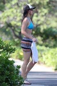 Jennifer Lawrence in a bikini (in Hawaii)