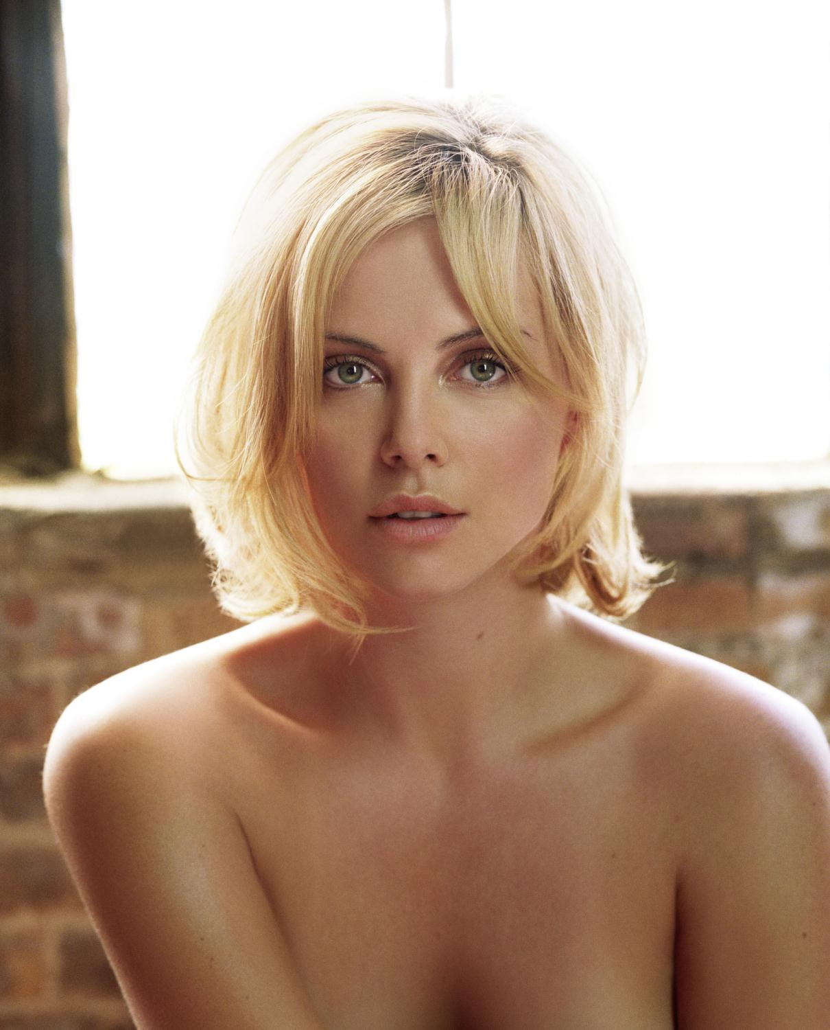 Charlize theron nude picture version