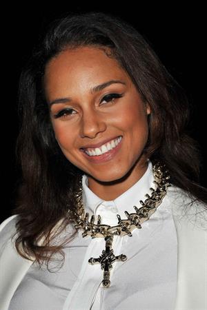 Alicia Keys Paris Fashion Week on March 4, 2012