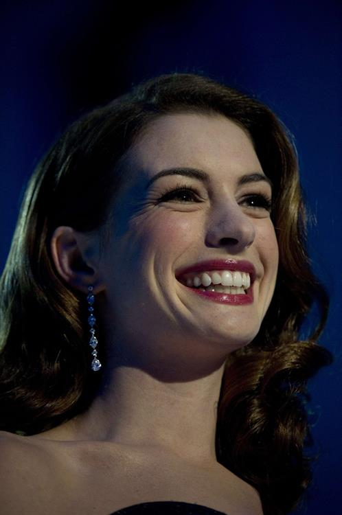 Anne Hathaway hosts the Nobel Peace Prize concert in Oslo on December 11, 2010