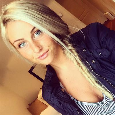 Cecilie Nordahl taking a selfie