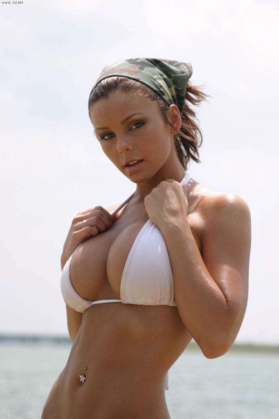 Davin Lexen in a bikini