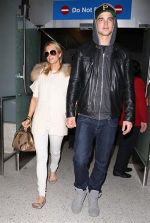 Paris Hilton arrives at Los Angeles International Airport (02.02.2013)