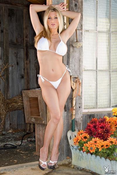 Adel Sherdan in a bikini