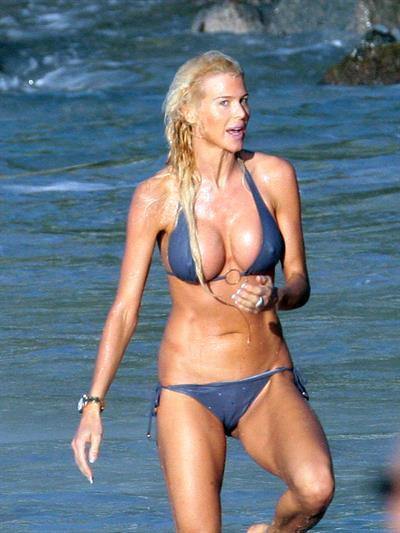 Victoria Silvstedt in a bikini