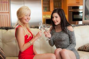 Bubbles And Girls.. featuring Jenna Reid, Kylie Nicole | Twistys.com