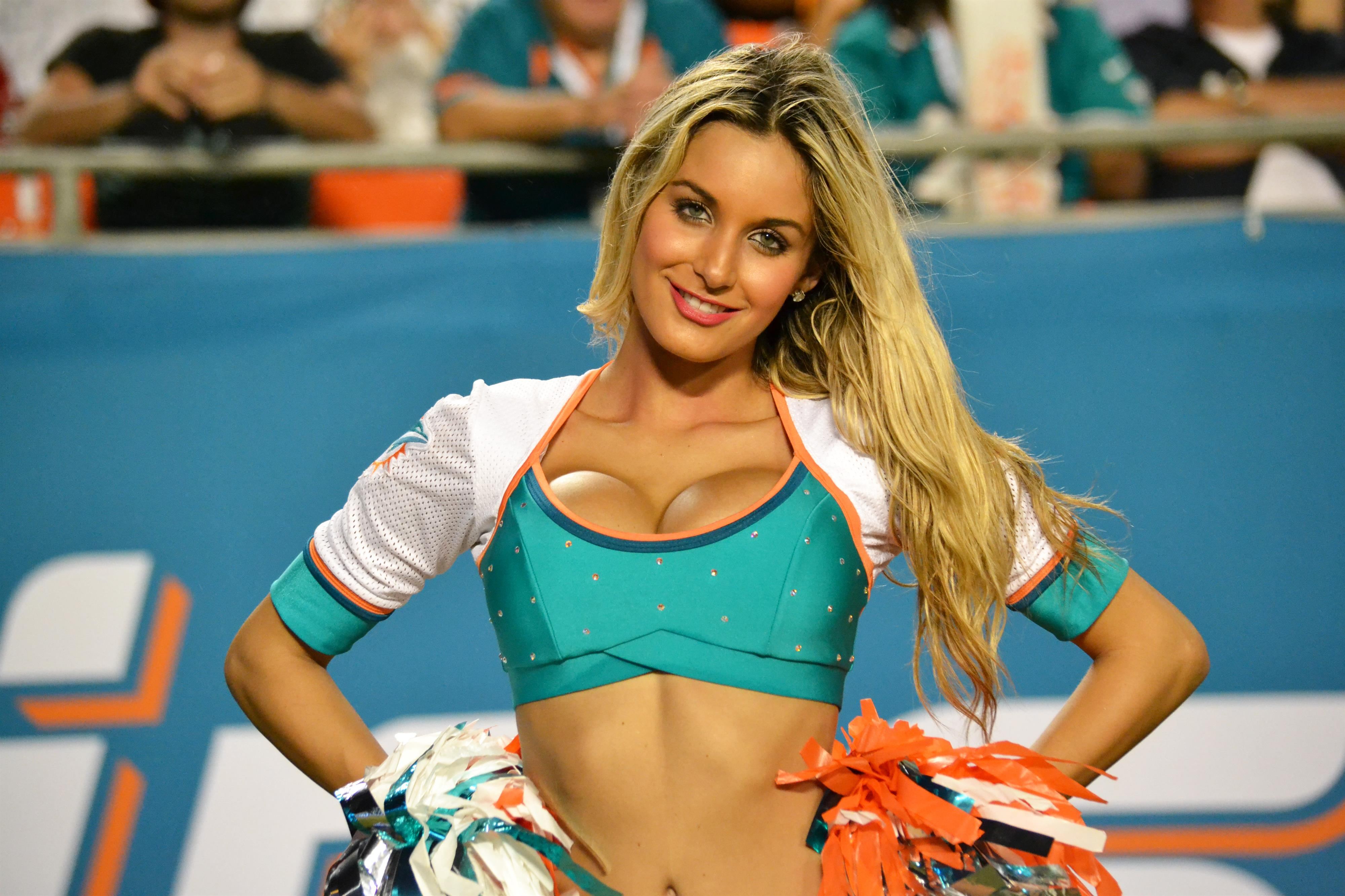 miami-dolphins-cheerleader-brianne-free-porn-movies-starting-with-d