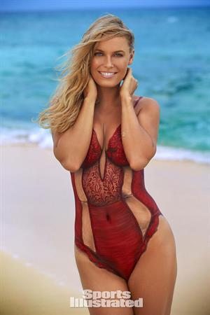 Sports Illustrated Swimsuit 2016 - Caroline Wosniacki body paint