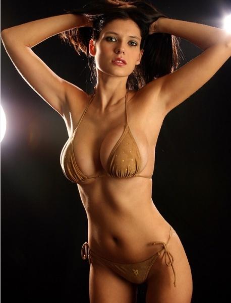 Amanda Hanshaw in a bikini