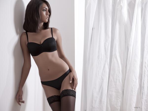Ela Savanas in lingerie