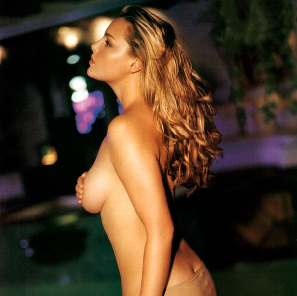 Katherine Heigl topless showing awesome side boob