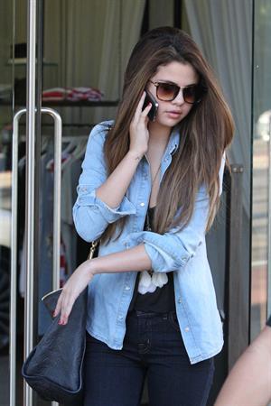 Selena Gomez goes shopping around Bondi Beach in Sydney on July 17, 2012