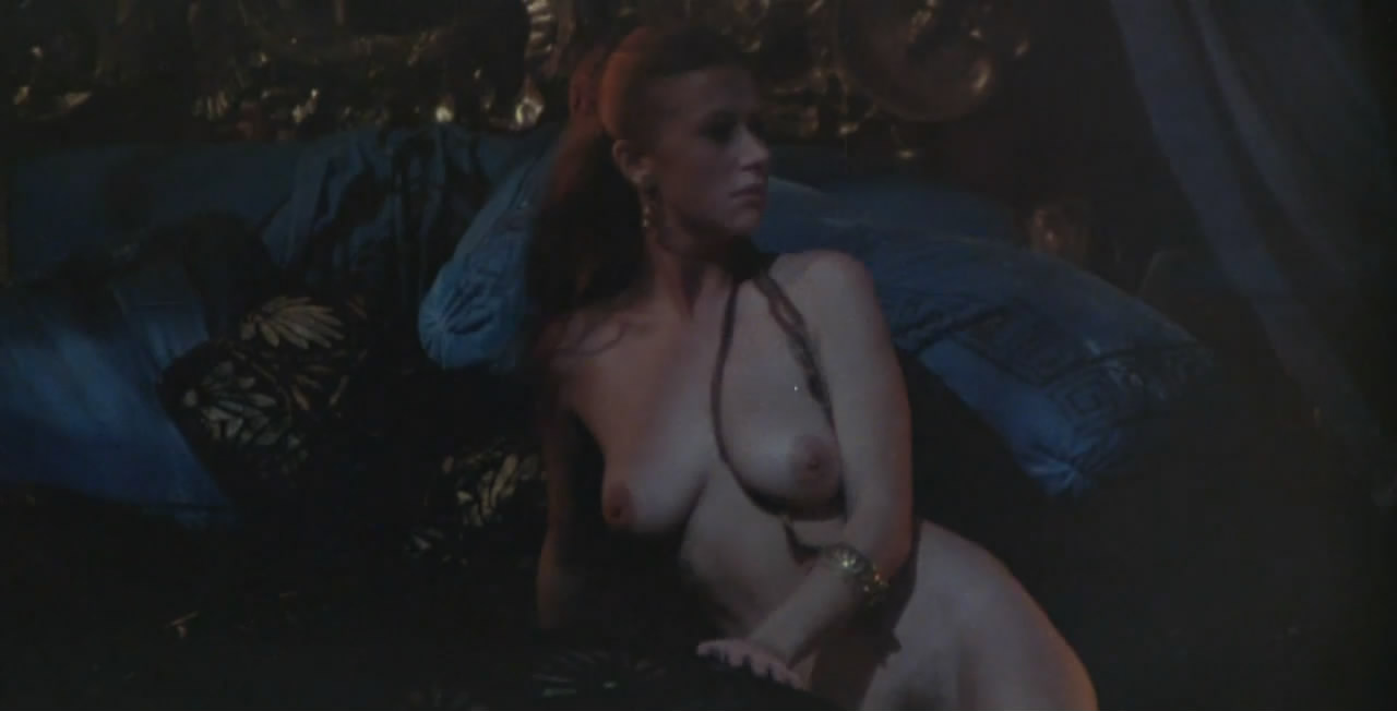 Helen Mirren - breasts