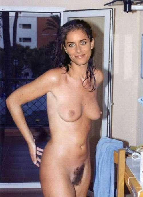 Nude photos of amanda peet