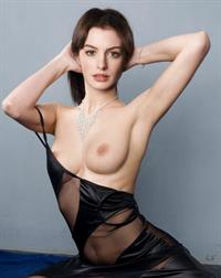 Anne Hathaway - breasts