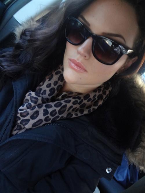 Kelly Karloff taking a selfie