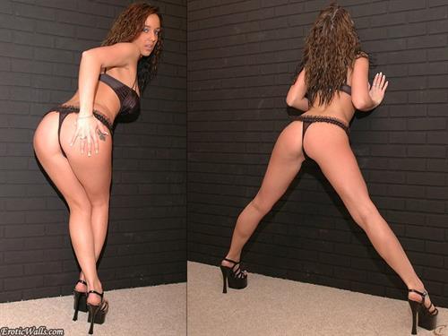 Nikki Sims in lingerie - ass