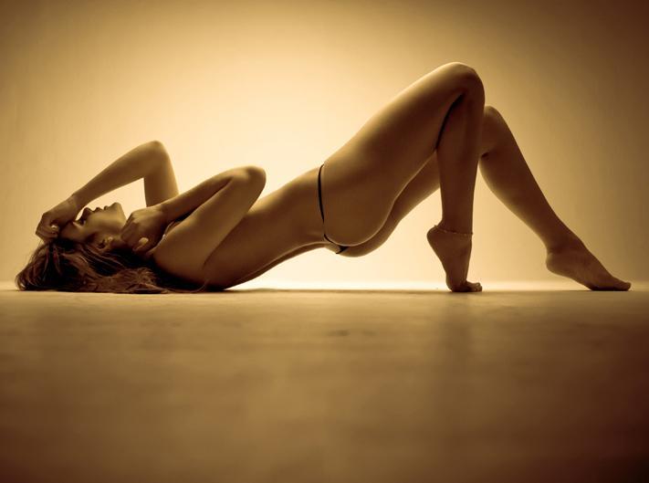 Vaneza Pelaez in a bikini - ass