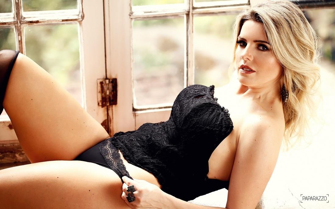 Mari Alexandre in lingerie
