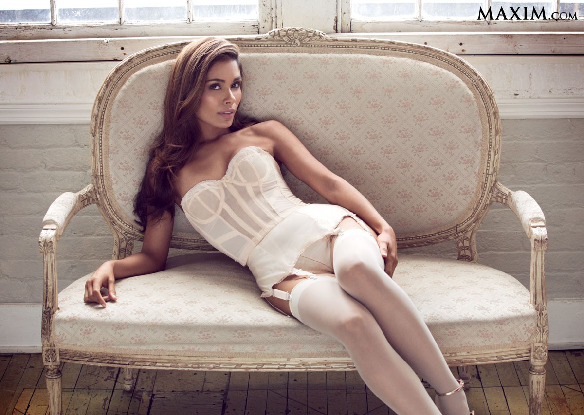 Daniella Alonso in lingerie