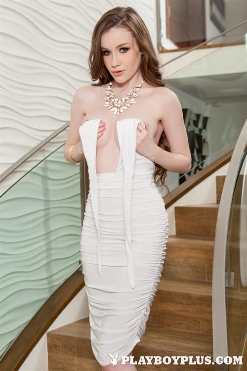 Playboy Cybergirl - Emily Bloom Nude Photos & Videos at Playboy Plus!