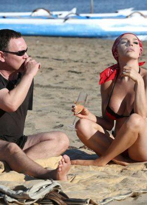Courtney Stodden Bikini Candids at the beach in Venice