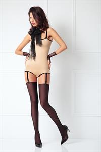 Oksana Jesipenko in lingerie