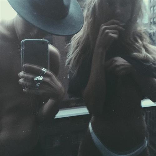 Sahara Ray taking a selfie
