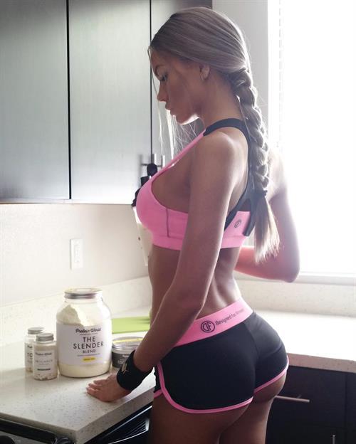 Anella Miller - ass