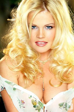 Playboy Cybergirl - Kylea Grace Nude Photos & Videos at Playboy Plus!
