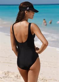 Dayana Mendoza in a bikini - ass