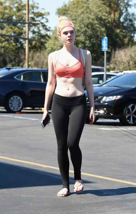 Elle Fanning in Yoga Pants