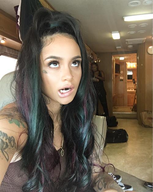 Kehlani taking a selfie