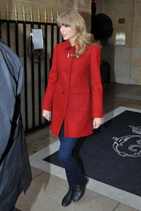 Taylor Swift leaving her hotel in Paris January 28, 2013
