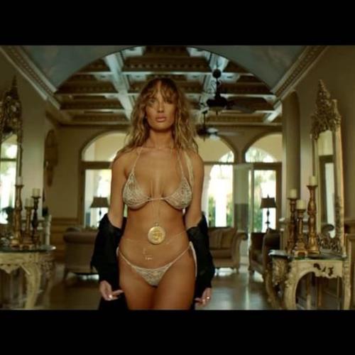Niykee Heaton in a bikini