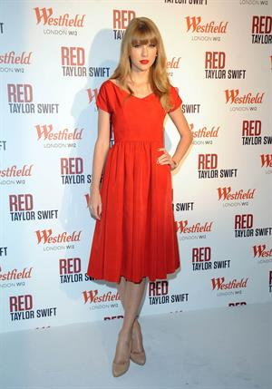 Taylor Swift at Westfield Mall in London 11/6/12