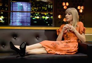 Taylor Swift At The Jonathan Ross Show in London - October 4, 2012