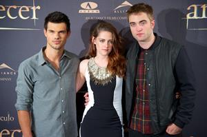 The Twilight Saga Breaking Dawn Part 2 Photocall in Madrid November 15, 2012 Gal Nu