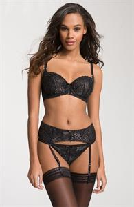 Eve Tramunt in lingerie
