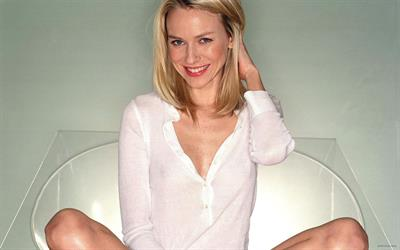 Naomi Watts - breasts
