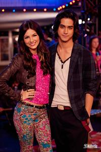 Victoria Justice Victorious Season 3 Episode 19 'Tori fies Beck and Jade' stills