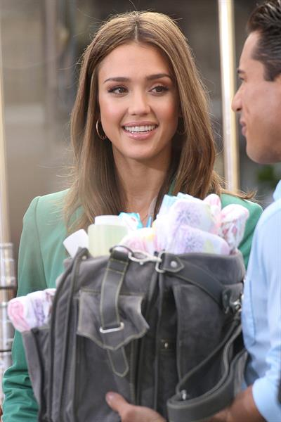 Jessica Alba on the set of Extra in Los Angeles on January 25, 2012