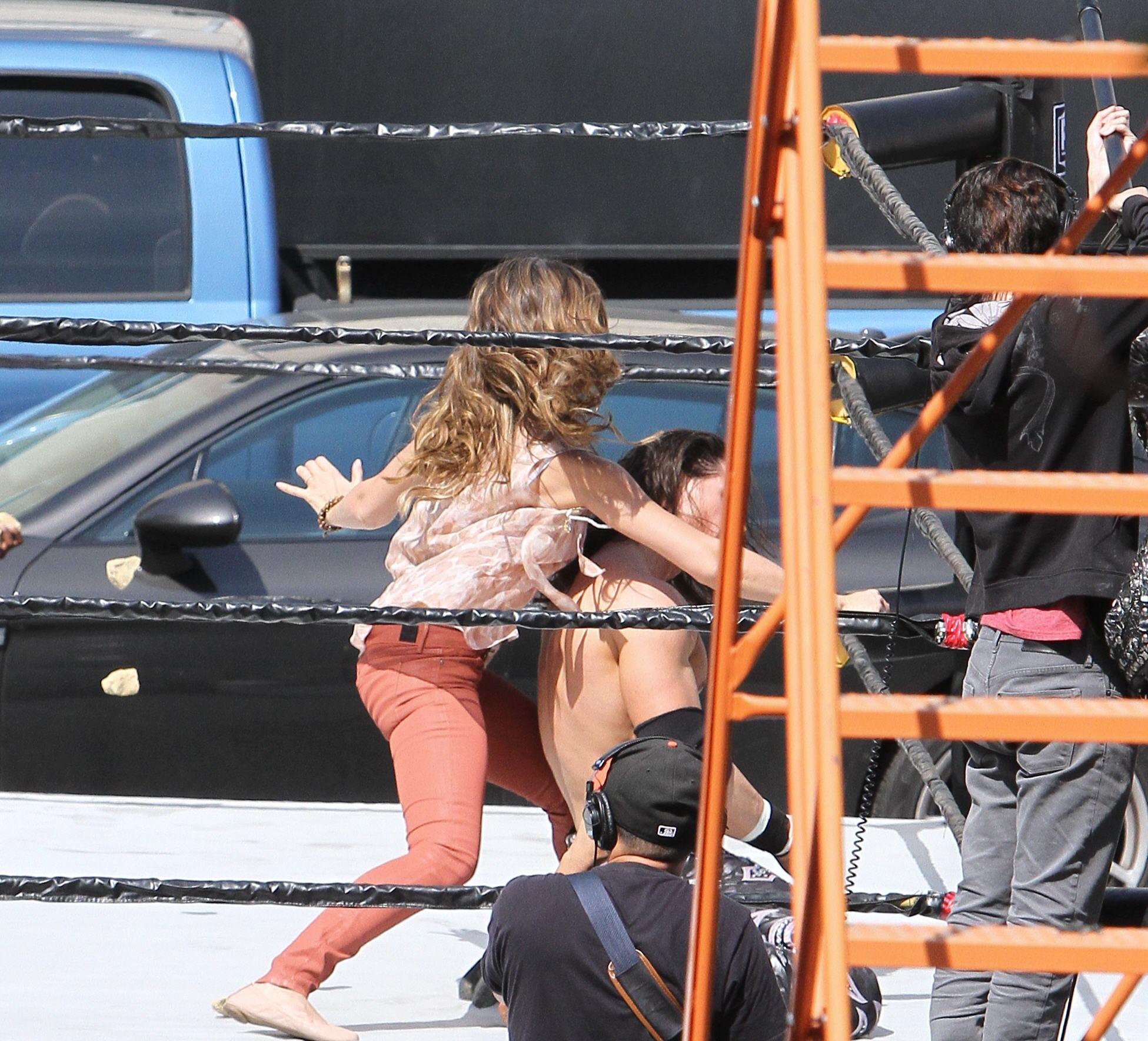 Pictures of jessica albas butt crack — pic 7