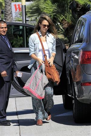 Jessica Alba shopping in LA 9/29/13