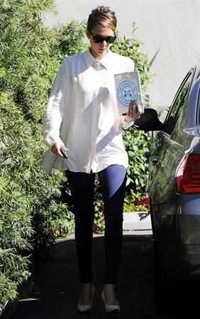 Jessica Alba Arriving at her office in Santa Monica - October 23, 2012