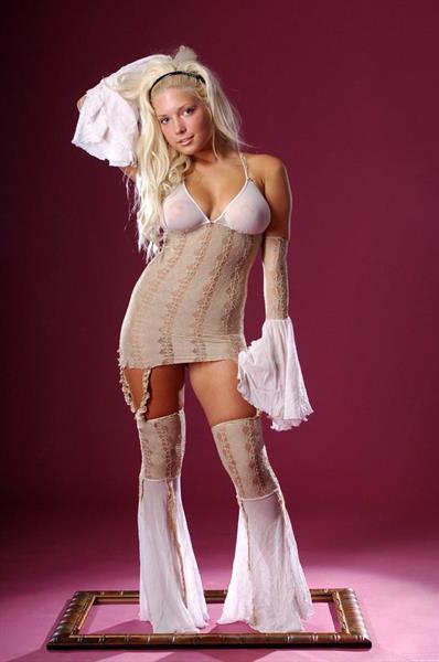 Melisa in lingerie