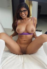 Mia Khalifa - pussy and nipples