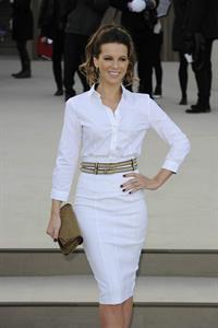 Kate Beckinsale Burberry Prorsum show at London Fashion Week 2/18/13