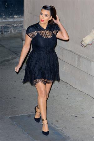 Kim Kardashian arrives for the Jimmy Kimmel Show  (29.01.2013)