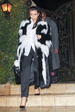 Kim Kardashian Leaving her home with Kanye West in L.A on Dec 31, 2012